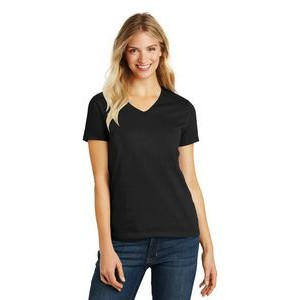 District� Women's Perfect Blend� V-Neck Tee